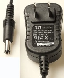 TPI TSA9-050120WU AC ADAPTER 5VDC 1.2A Used 2 x 5.5 x 12mm