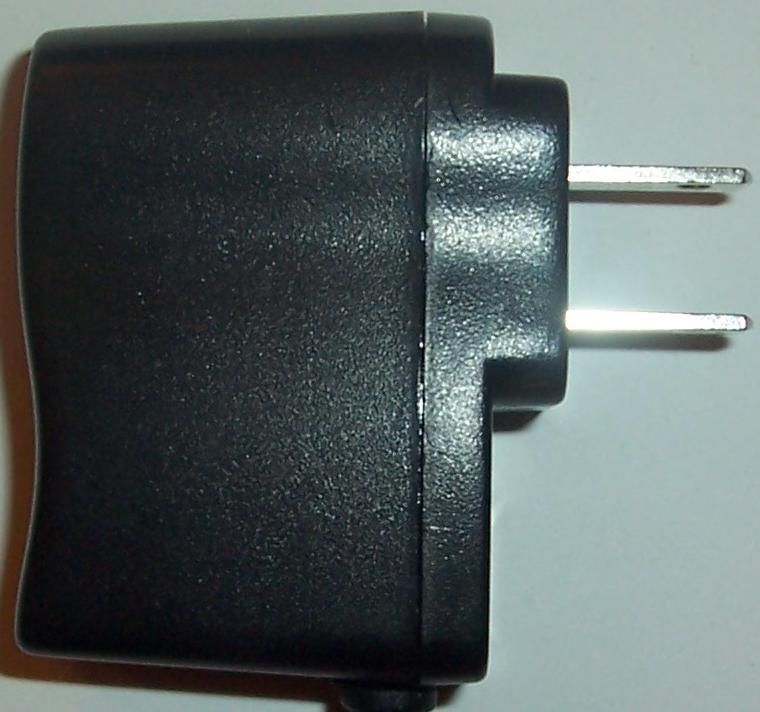 GFP051X-0610 AC ADAPTER 6Vdc 500mA -(+) 1.2x3.5mm Used 100-240va